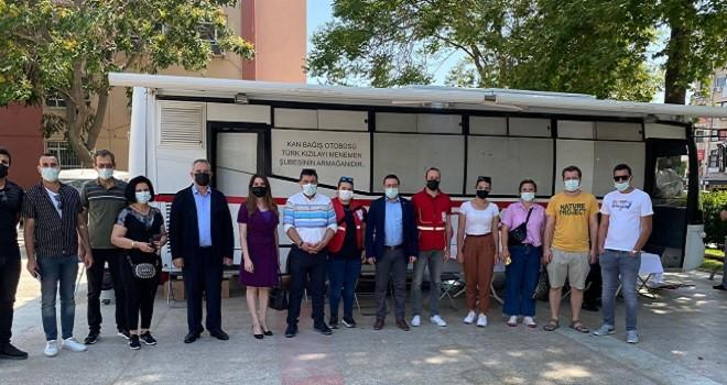CHP Karşıyaka başkanından kan bağışı