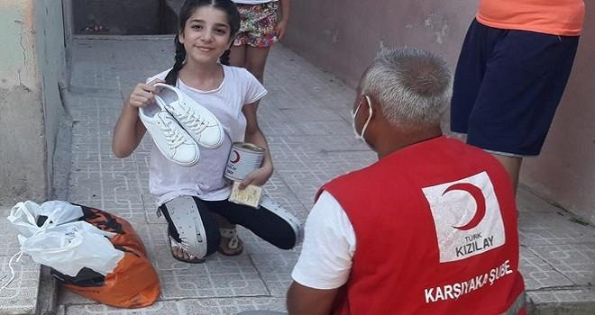 Karşıyakalı 600 ihtiyaç sahibine Kızılay'dan ayakkabı