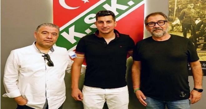 Karşıyaka Onur Türk ile de el sıkıştı