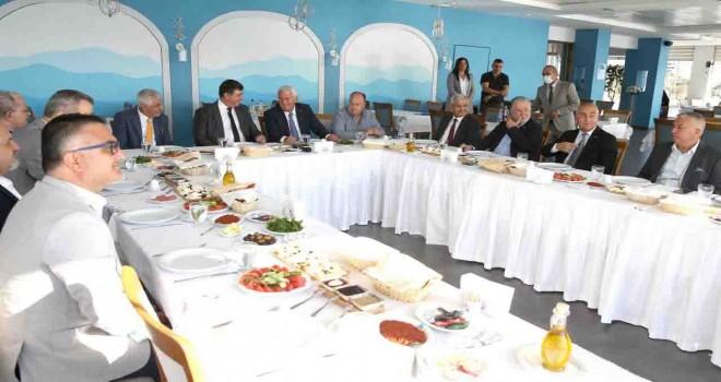 Karşıyaka Belediyesi ve İESOB'dan iş birliği zirvesi