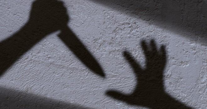 Karşıyaka'da eşini bıçakla ağır yaralayan sanık hakim karşısında