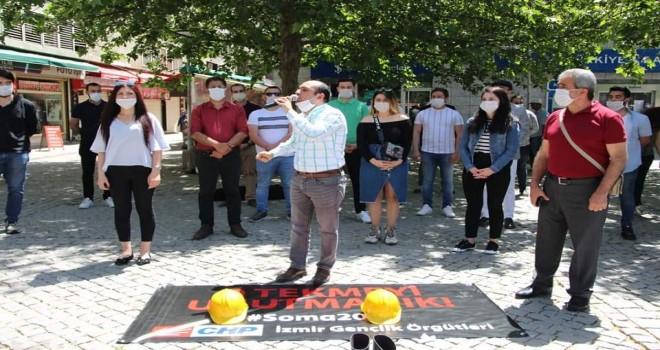 CHP'li gençler 301 madenciyi andı