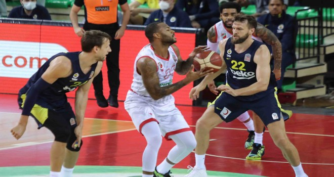 Pınar Karşıyaka seride 2-1 geriye düştü