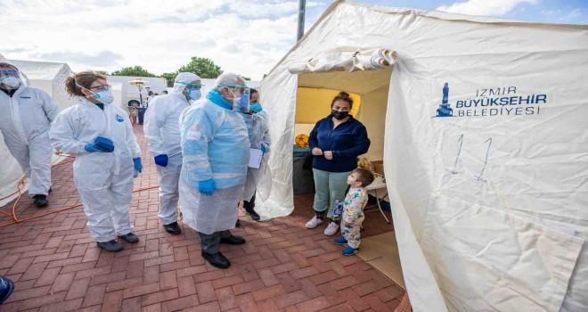 İzmir Büyükşehir doktorlarından çadır kentte sağlık taraması