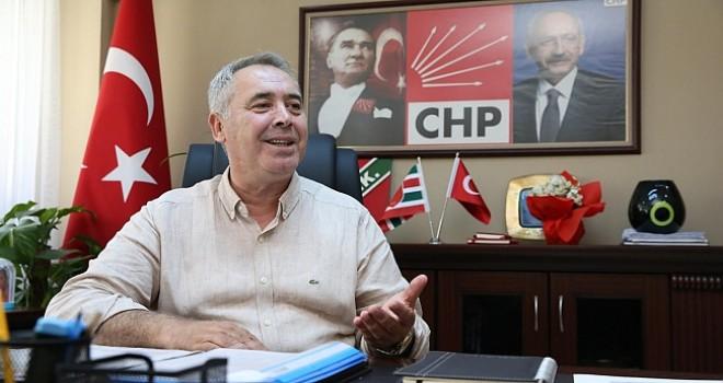 CHP'li Koç'tan Keseli'ye: Bozacıdan ve şıracıdan özür dilemelisin