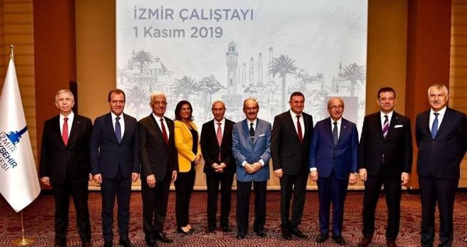 Büyükşehir Belediye Başkanları zirvesi İzmir'de başladı
