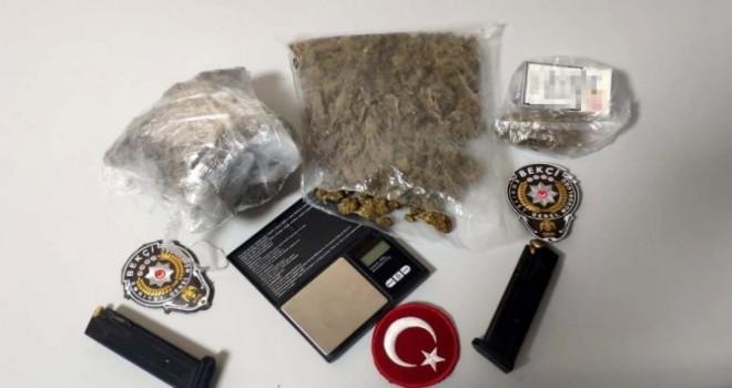 Bostanlı'da iki kişiye uyuşturucudan gözaltı