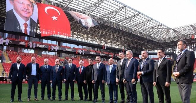 İzmir kulüplerinden örnek dayanışma
