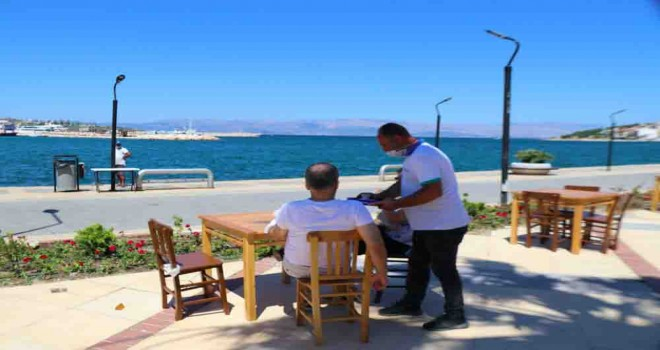 Başkan Oran: Çeşme'de denize karşı çay içmek 2 TL
