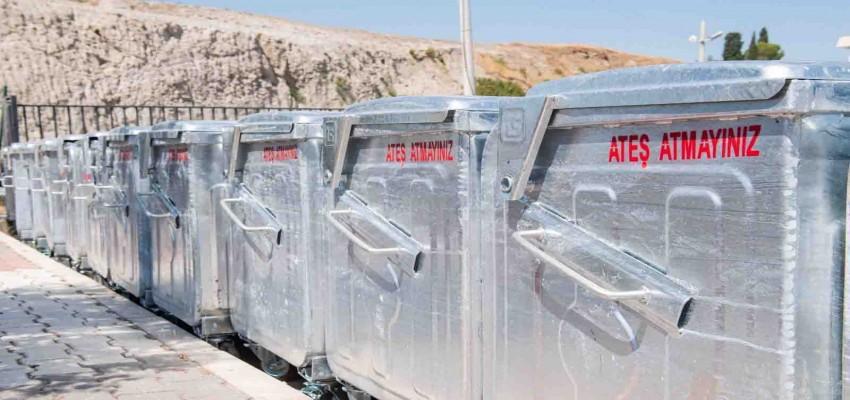 İzmir Büyükşehir Belediyesi'nden ilçelere 5 bin 500 çöp konteyneri
