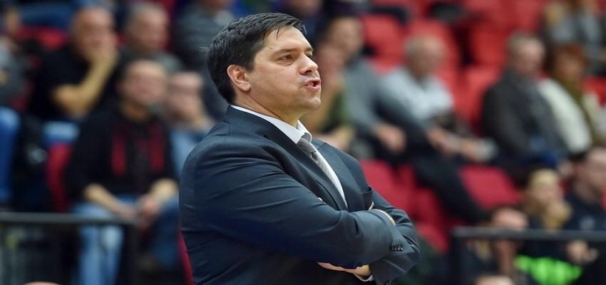Pınar Karşıyaka antrenör arıyor...