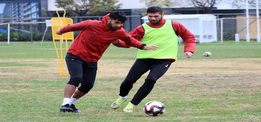 Karşıyaka'da Mustafa ve Metin dönüyor