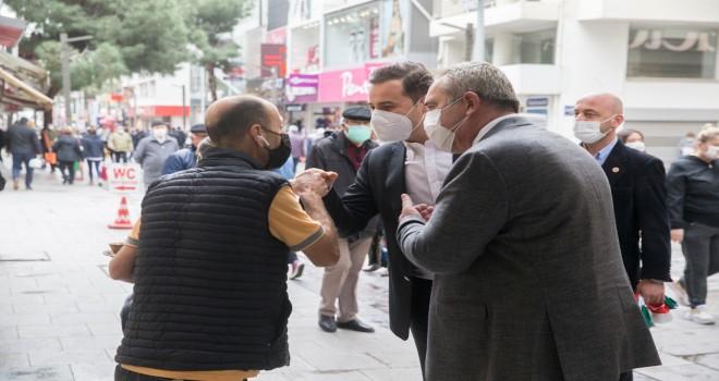CHP Karşıyaka'dan esnafa: Derdiniz derdimizdir