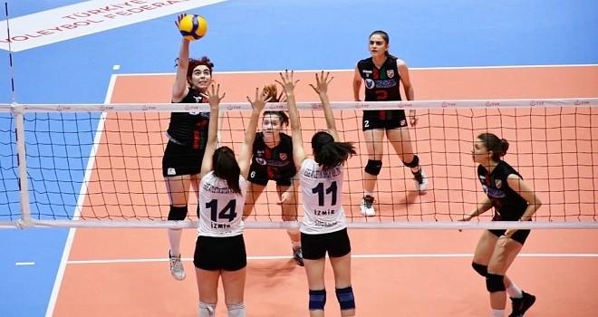 Karşıyaka final grubuna galibiyetle başladı