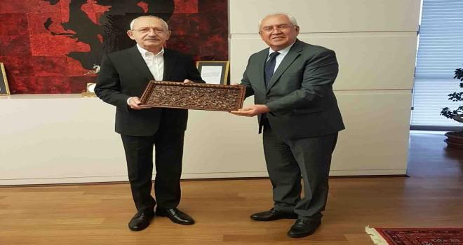 Başkan Selvitopu CHP Genel Başkanı Kılıçdaroğlu'nu ziyaret etti