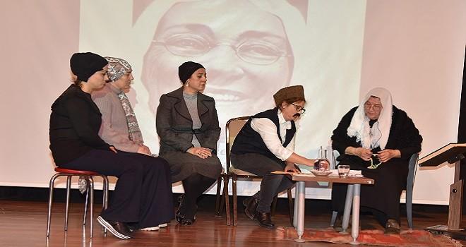 Nergiz Kur'an Kursu öğrencileri Zübeyde Hanım'ı canlandırdı