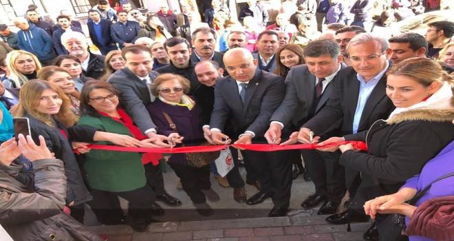 Cemil Tugay, Cumhuriyet ve İnönü mahallelerinde seçim ofisi açtı