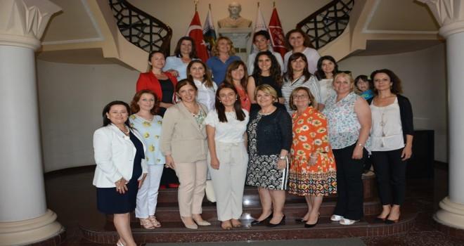 Çanakkaleli ve İzmirli iş kadınları el ele