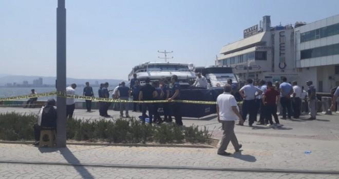 Karşıyaka'de denizde ceset bulundu