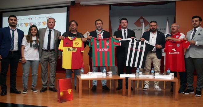 İzmir'de futbol ekonomisi konuşuldu