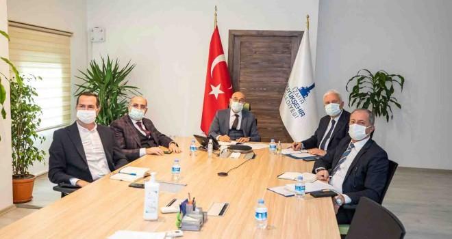 İzmir Büyükşehir'den profesyonel spor kulüplerine 18 milyon TL'lik destek