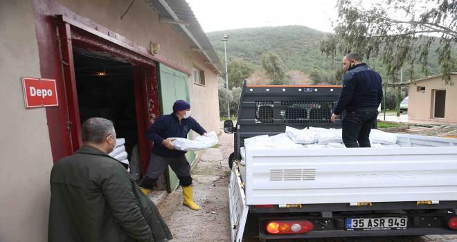 Karşıyaka Belediyesi'nden Nevşehir'e mama yardımı