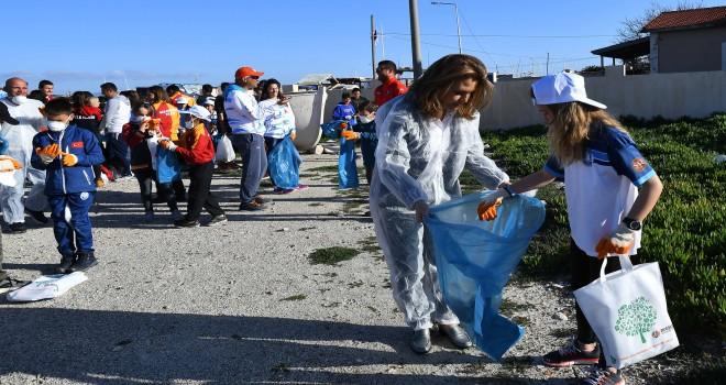 Yelkencilerden ''Çevre temizliği''