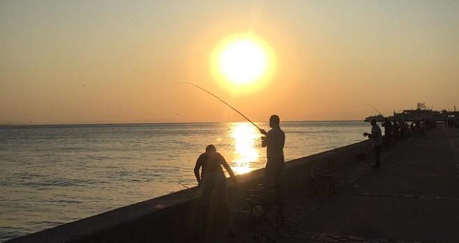 Karşıyaka'nın akşam balıkçıları