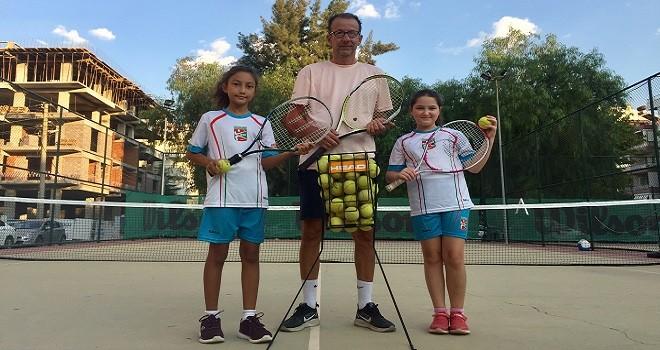 Bostanlıspor 10 Yaş Tenis Okulu açıldı