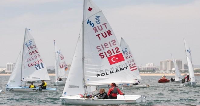 KSK'li Milli yelkenciler Lara ve Deniz Dünya Şampiyonası'nda yarıştı