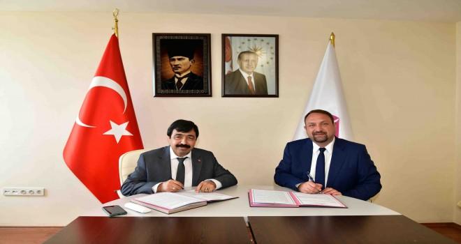 İKÇÜ ile Çiğli Belediyesi iş birliği yapacak