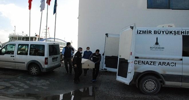 Karşıyaka'da denizde erkek cesedi bulundu