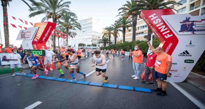 Kurtuluş coşkusu maratonla taçlandı