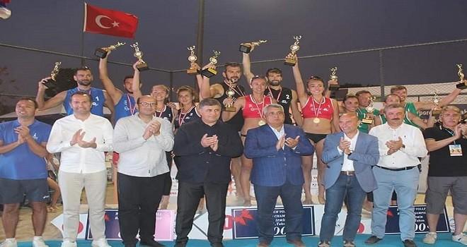 Bostanlı'daki şampiyona Türkiye'nin...