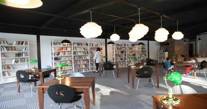 Karşıyaka'ya bir kütüphane daha
