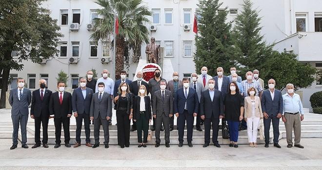 Karşıyaka'da Muhtarlar Günü kutlanıyor