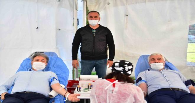 Bornova Belediyesi ve Türk Kızılay'dan kan kardeşliği