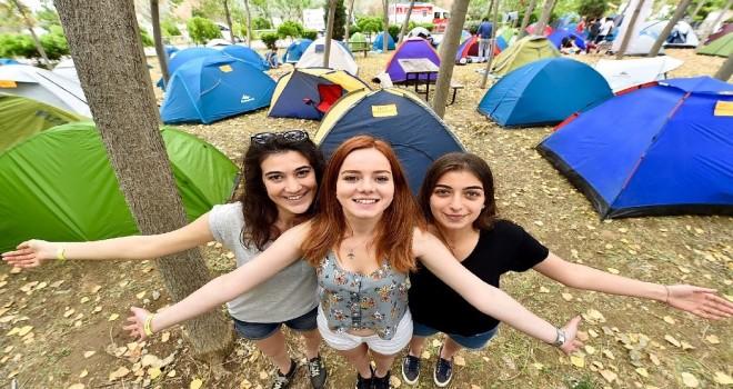 Yılın En Mutlu Şehri İzmir