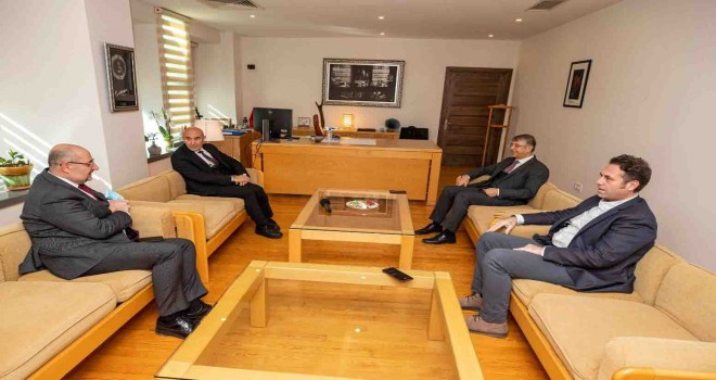 İstanbul BŞB heyetinden Başkan Soyer'e geçmiş olsun ziyareti