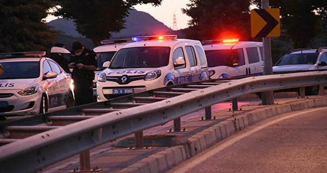 Karşıyaka'da silahlı saldırı sonucu 3 kişi yaralandı