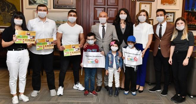 Lösemili çocuklara maskeli destek