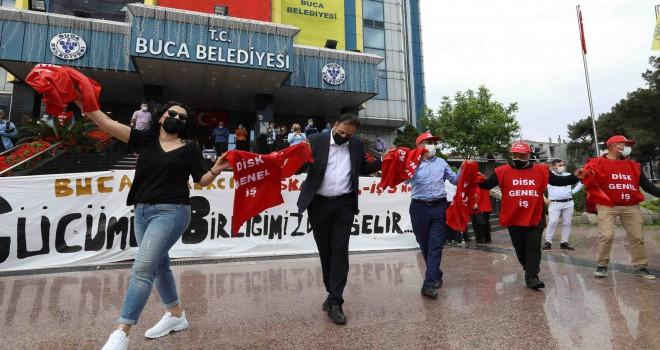 Buca'nın emekçilerinden 1 Mayıs'a coşkulu karşılama