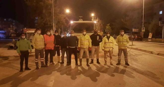 Narlıdere'de virüse karşı gece mesaisi