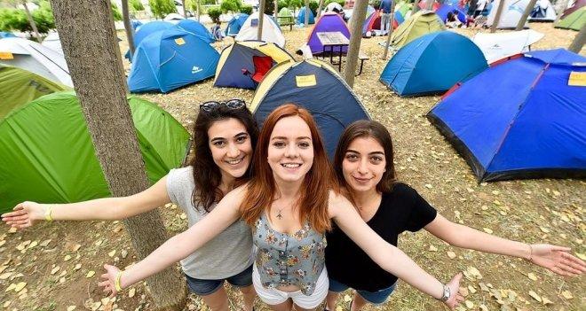 Gençlerin kalbi İzmir'de atacak