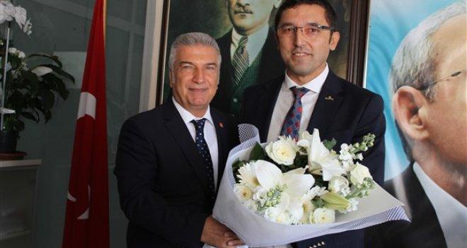 İzmir Büyükşehir Belediye Başkan aday adayı Cevat Durak ziyaretlerini sürdürüyor