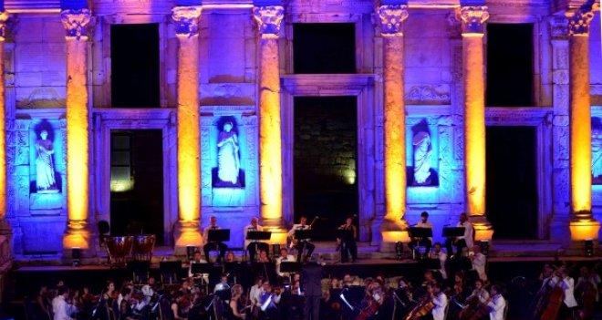 İzmir Festivali'nde unutulmaz Celsus gecesi