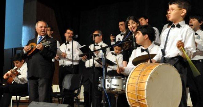 İzmir Otizm Korosu 12 Ekim'de Karşıyaka'da sahnede...
