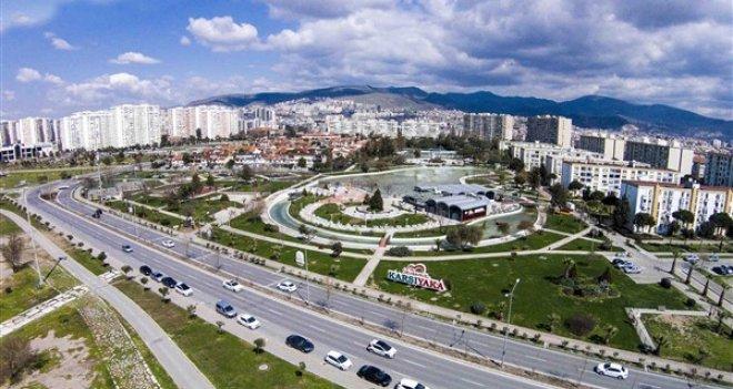 İzmir ve Ege Bölgesi'nin en başarılı ilçe belediyesi yine Karşıyaka