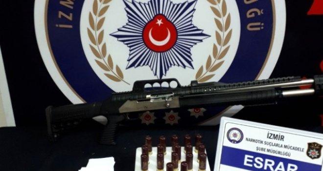 İzmir'de 18 zehir taciri tutuklandı
