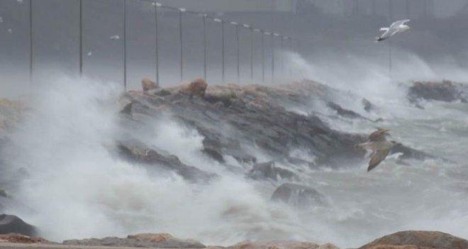 İzmir'de fırtına teyakkuzu